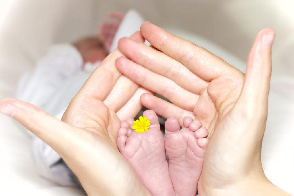 Jak získat mateřskou a rodičovský příspěvek?